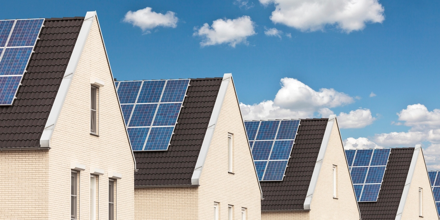 5-powerful-tactics-close-more-residential-solar-leads.jpg
